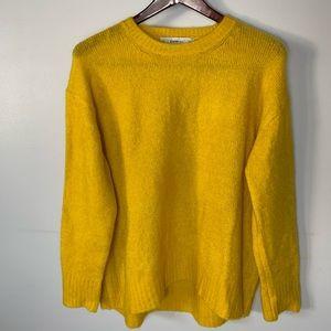 Zara Knit Yellow Fuzzy Sweater size Medium